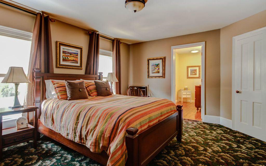 Twin Oaks Bed And Breakfast Saugatuck Mi